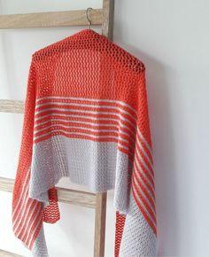 Crochet shawl pattern, sunrise shawl | Happy in Red