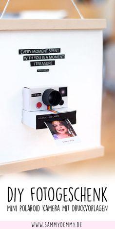 Fotogeschenk: Mini Polaroid-Kamera mit wechselnden Fotos - New Ideas Mini Polaroid, Polaroid Camera, Cadeau Parents, Holiday Break, Photo Craft, Small Gifts, Boyfriend Gifts, Valentine Day Gifts, Bff