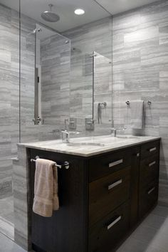 27 Perfect Grey Bathroom Vanity Backsplash Ideas #BathroomVanity #BacksplashIdeas