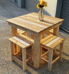 30 Creative DIY Wooden Pallet Projects Ideas The post 30 Creative DIY Wooden Pallet Projects Ideas appeared first on Pallet Diy. Wood Pallet Tables, Pallet Patio Furniture, Furniture Projects, Wood Pallets, Diy Furniture, Pallet Bar, Rustic Furniture, Antique Furniture, Furniture Design