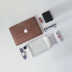 By: @jordanjtan  #apple #applegeek #macintosh #photographer #everydaycarry #workspace #html5 #geek #developer #workplace #javascript #hacker #webdeveloper #entrepreneur #macbook #webdesign #php #programming #design #softwaredeveloper #canon600d #nikon #xcode #imac #thinkdifferent #workstation #homeoffice #canon5d #setups by macintosh_setups