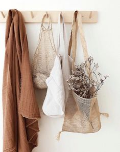 home decor apartment Clothing Photography, Hipster Photography, Beige Aesthetic, Net Bag, Jolie Photo, Home Collections, Lightroom Presets, Home Deco, Boho Fashion