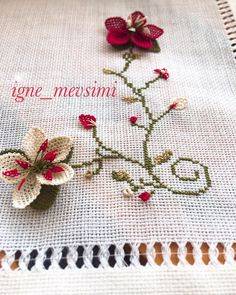 Felt Brooch, Lace Making, Bargello, Embroidery Patterns, Diy And Crafts, Cross Stitch, Hair Accessories, Tapestry, Ebay