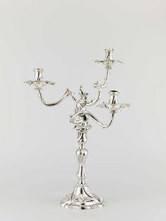 Kandelaber van zilver, met drie takvormige, geslingerde armen en met getordeerde voet, stam en kaarsenhouder, Willem Burger, Dirk van de Goorbergh, 1771