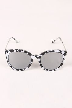 d00ab26511 Printed Plastic Frame Wayfarer Sunglasses