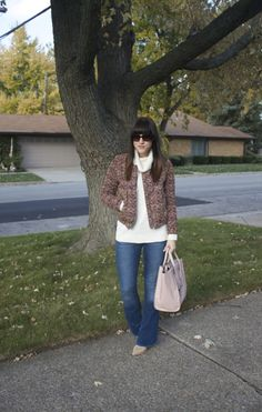 Cute mom-on-the-go look. Love a good white sweater