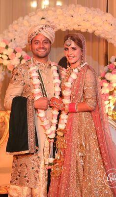 Couple Wedding Dress, Wedding Couples, Wedding Photoshoot, Wedding Pics, Indian Wedding Couple Photography, Pre Wedding Poses, Mehendi Outfits, Haldi Ceremony, Couple Posing