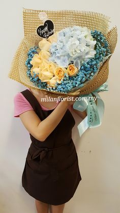#HappyBirthday,#Rose,#Hydrangea,#MilanStyle,#milanflorist,#MFMA 米兰花屋 Milan Florist Mount Austin Tel:016-7677027/016-7704487 www.milanflorist.com.my