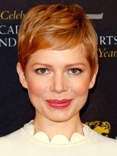 How to style the Pixie cut? Despite what we think of short cuts , it is possible to play with his hair and to style his Pixie cut as he pleases. Short Blonde Pixie, Short Hair Cuts, Short Hair Styles, Edgy Pixie, Short Wavy, Shag Hairstyles, Protective Hairstyles, Pixie Haircuts, 2018 Haircuts