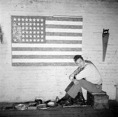 """Jasper Johns.  """"Jasper (Pearl Street Studio)""""  1955. Photograph: Robert Rauschenberg #GISSLER #interiordesign"""