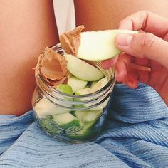 craving these ridic looking cookie butter + apple slices via @rrayyme. x #thebikinifox