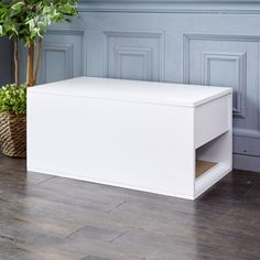 Shop white cat litter sidetable from Way Basics. Modern style and eco friendly zBoard material create the perfect litter box for cats. Cheap Cat Litter, Cat Litter Box Enclosure, Hiding Cat Litter Box, Diy Litter Box, Best Litter Box, Hidden Litter Boxes, Litter Box Covers, Dog Proof Litter Box, Cat Furniture