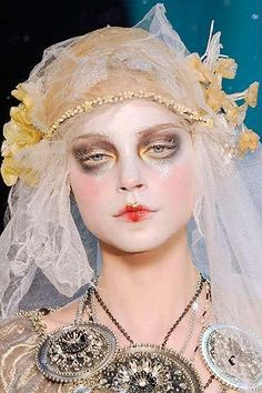 Ghostly make up ideas