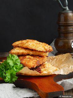 Простой рецепт приготовления вкусных куриных шницелей в горчичном маринаде.