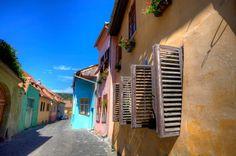 Fotografii din Sighisoara: Strada in cetatea Sighisoara de Dumitru Brinzan