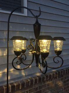 Solar Light Crafts, Diy Solar, Solar Lights, Pond Lights, Backyard Lighting, Outdoor Lighting, Outdoor Decor, Lighting Ideas, Solar Chandelier Outdoor