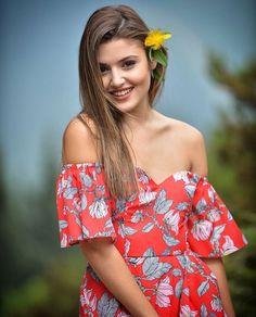 Shy teen model gallery