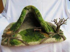 Jahreszeitentisch - Wichtelhöhle Waldorf gefilzt - ein Designerstück von Puppenprofi bei DaWanda