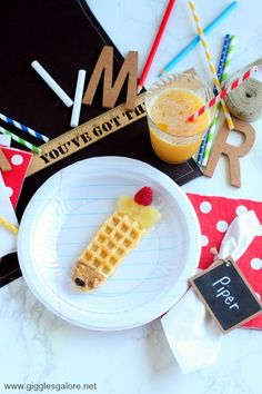 "Our back to school breakfast tradition has become a favorite part of starting a new school year. Start the year off ""write"" with DIY Notebook Paper Plates! #backtoschool #diy #school #crafts"