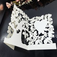 #CartadeInvitación #Celebraciones #Precioso Las tarjetas de invitación van a lucir la belleza y significado especial de la fiesta. Patrones de corazón y árboles hacen recordar del amor primitivo y puro.¡Déjala memorizar el momento de felicidad!