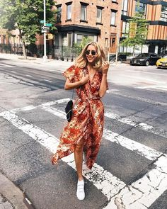 9,409 vind-ik-leuks, 54 reacties - & Other Stories (@andotherstories) op Instagram: '@viktoria.dahlberg stopping the traffic in our wrap dress from the Los Angeles collection. Link in…'