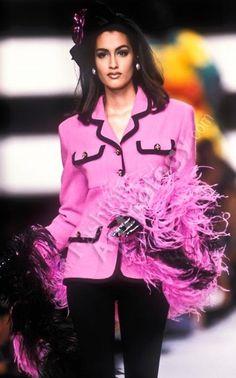 Yasmeen Ghauri - CHANEL Runway Show, 1991