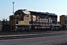 https://flic.kr/p/Hd9oXF   Santa Fe SD40-2 No. 5028 At Bakersfield