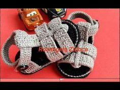 Sandálias de crochê masculina - YouTube Crochet Baby Boots, Crochet Baby Sandals, Booties Crochet, Crochet For Boys, Crochet Slippers, Baby Booties, Knit Crochet, Baby Shoes, Baby Chucks