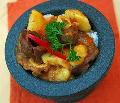 Cape Malay curry South African Recipes, Easy Cooking, Dessert Recipes, Desserts, Stew, Cape, Bbq, Curry, Dishes