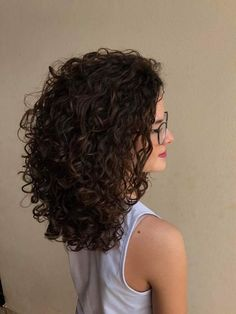 Length - Length - Best Picture For blonde curly hair hairstyles For Your Taste You Ombre Curly Hair, Curly Hair Tips, Short Curly Hair, Curly Hair Styles, Natural Hair Styles, Natural Curl Hairstyles, Layers For Curly Hair, Medium Permed Hairstyles, Shoulder Length Curly Hair