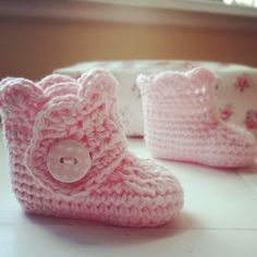 Very pleased with these. Lovely free pattern from www.imtopsyturvy.com 'wrap around button infant boots' . #crochet #baby #booties