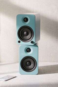 Kanto YU3GT Powered Desktop Speakers