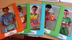 Verjaardagskalender. Foto maken met handen waarop taart kan staan. Taart maken van gekleurd papier en in de foto plakken.