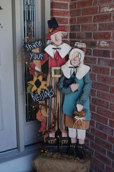 Wasatch Wood Crafts: Pilgrims by valarie Thanksgiving Wood Crafts, Fall Wood Crafts, Thanksgiving Decorations, Fall Halloween, Halloween Crafts, Holiday Crafts, Primitive Crafts, Americana Crafts, Letter A Crafts