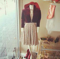 Vintage shiraz coloured velvet jacket, @belezavintage floppy hat, Elise Design floral dress, vintage red gum boots. #vintage #vintagefeels ##vintageshiraz #wine #finewine #winecolour #red #velvetjacket #floppyhat #floral #pretty #lady #layers #prettylady