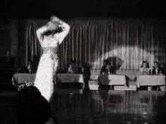 ▶ Pink Martini - Tempo Perdido (Lagrimas) - YouTube
