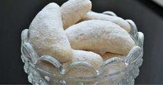 Vláčné rohlíčky nejen na Vánoce recept - snadnevareni Snack Recipes, Snacks, Dairy, Chips, Cookies, Food, Biscuits, Snack Mix Recipes, Crack Crackers