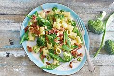 Pasta fantastica met pesto, snijbonen en broccoli - Recept - Allerhande
