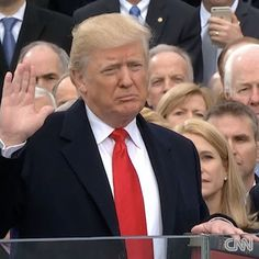 Welcome to Olusola Olaniyi's Planet blog : Video: President Trump sworn in as the 45th presid...