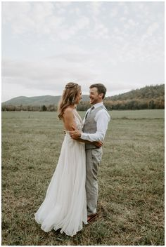 A lakeside fall wedding in New Hampshire. Bride and groom photo ideas. Photography by Scarlet Roots. New England wedding. Edgy Wedding, Timeless Wedding, Wedding Bride, Fall Wedding, Bride Groom, Rustic Wedding, Wedding Venues, Wedding Photography Poses, Wedding Photography Inspiration