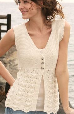 Knitted DROPS sleeveless top in garter st and lace pattern in Alpaca. Free knitting pattern by DROPS Design. Drops Design, Free Knitting Patterns For Women, Knit Patterns, Drops Patterns, Crochet Woman, Knit Crochet, Crochet Waistcoat, Knit Vest Pattern, Point Mousse