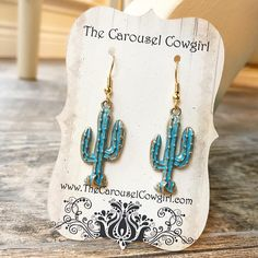 Adorable gold-toned cactus earrings with a beautiful green patina! Cowgirl Jewelry, Western Jewelry, Hippie Jewelry, Cowgirl Clothing, Cowgirl Fashion, Bullet Jewelry, Geek Jewelry, Leather Jewelry, Leather Bracelets
