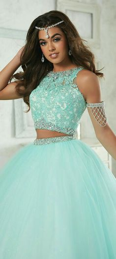 2019 Charming 2 Pieces Quinceanera Dresses Off The Shoulder Crystal Beaded Ball Gowns Sleeveless for Formal Party Cute Prom Dresses, Sweet 16 Dresses, 15 Dresses, Pretty Dresses, Homecoming Dresses, Fashion Dresses, Tulle Ball Gown, Ball Gowns, 2 Piece Quinceanera Dresses
