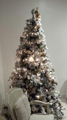 White cristhmas  tree