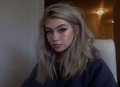 Blonde – My hair and beauty 90s Grunge Hair, Soft Grunge Hair, Grunge Makeup, Grunge Goth, Grunge Outfits, Hairstyles With Bangs, Pretty Hairstyles, Grunge Hairstyles, Fotografia Grunge