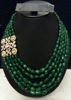 Jewelry care: how to clean your expensive jewelry Maxi Collar, Emerald Jewelry, Silver Jewelry, Silver Earrings, Expensive Jewelry, Bead Jewellery, Jewelry Rings, Beaded Jewelry Patterns, Necklace Designs