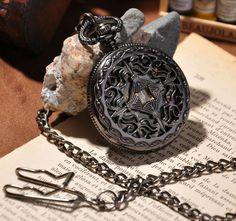 montre à gousset mécanique Royal, squelette.