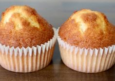 Magdalenas caseras esponjosas y con copete Mantecadas Recipe, Mexican Food Recipes, Sweet Recipes, Cop Cake, Sweet Little Things, Pan Dulce, Homemade Cake Recipes, Sweet Pastries, Almond Cakes