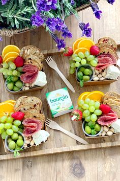 @hosttoperfection is elevating their summer outdoor entertaining with individual snack boxes featuring green apples, grapes, your favorite crackers, and creamy and crumbly Boursin® Garlic & Fine Herbs Cheese. Get inspo for more glamping-inspired recipes at GlampBoursin.com. Cute Food, Good Food, Yummy Food, Appetizer Recipes, Snack Recipes, Cold Party Appetizers, Charcuterie Recipes, Charcuterie Board, Food Platters
