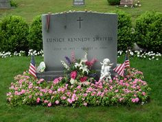 Eunice Mary Kennedy Shriver - Shriver was a member of the prominent Kennedy family, younger sister to John F. She helped found the Special Olympics during the Cemetery Headstones, Cemetery Art, Rosemary Kennedy, Eunice Kennedy Shriver, Famous Tombstones, Familia Kennedy, Los Kennedy, Francis Xavier, Grave Decorations